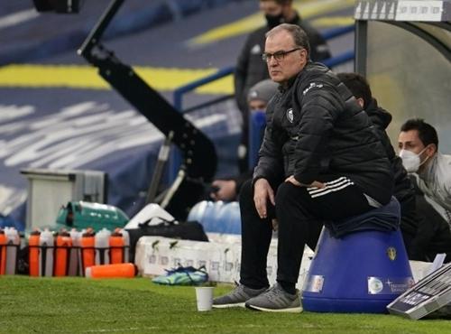 تاکتیک های تهاجمی مربیان بزرگ دنیای فوتبال (مارچلو بیلسا، آنتونیو کونته و دیئگو سیمئونه) | بازی در پشت و نقطه کور مدافعین | FCDORFAK